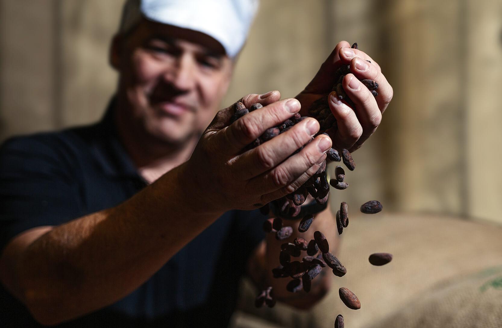 Dammenbergin valikoimista löytyy Reilun kaupan kaakaosta valmistettua Reilun kaupan suklaata